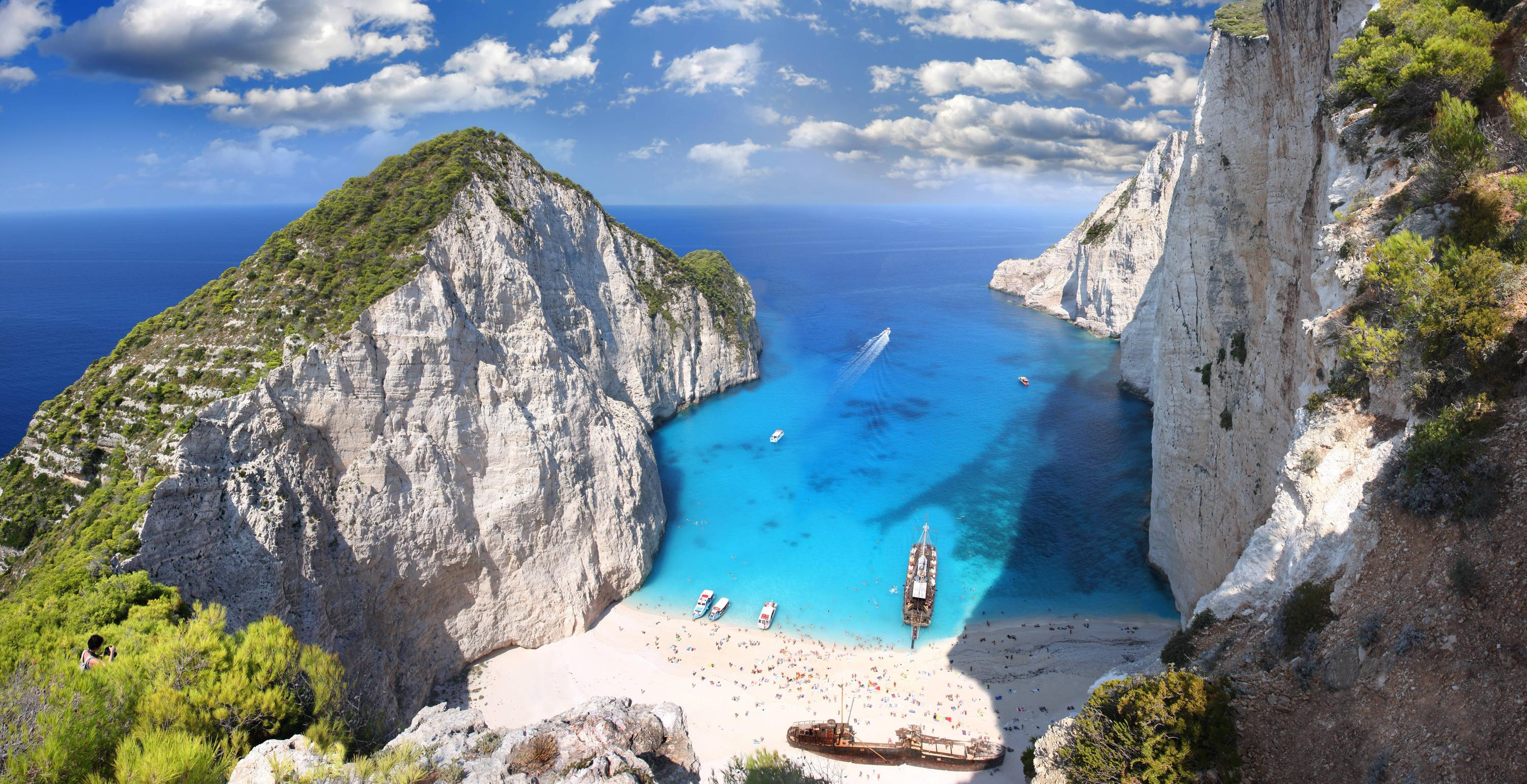 Bron: https://www.reddit.com/r/EarthPorn/comments/1ypgne/navagio_beach_zakynthos_ionian_islands_greece/